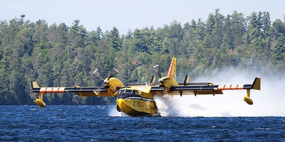 Canadair CL415 Waterbomber