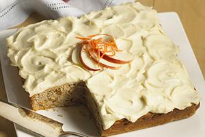 Gâteau léger aux pommes et aux carottes