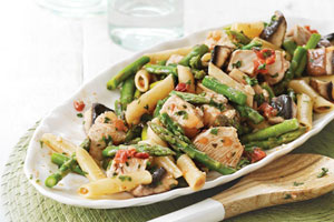 Ontario Asparagus and Chicken Pasta Salad with Zesty Dressing