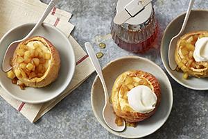 Pommes à l'érable et au gâteau au fromage