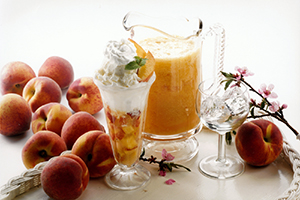 Frosty Peach Cream Sodas
