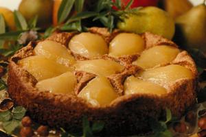Gâteau aux poires-noisettes et crème