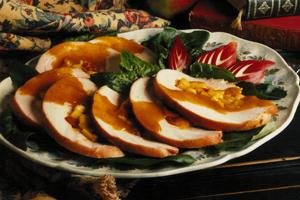 Roulé de poitrine de dindon farcie aux pommes